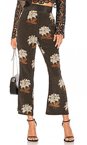 Цветочные брюки isla STONE_COLD_FOX. Цвет: черный