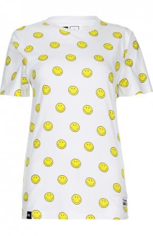 Удлиненная футболка прямого кроя с ярким принтом Dedicated. Цвет: белый