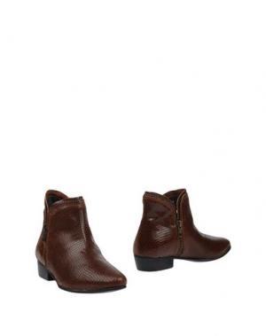 Полусапоги и высокие ботинки EMANUÉLLE VEE. Цвет: какао