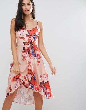 Hope and Ivy Платье с цветочным принтом и асимметричным подолом &. Цвет: розовый