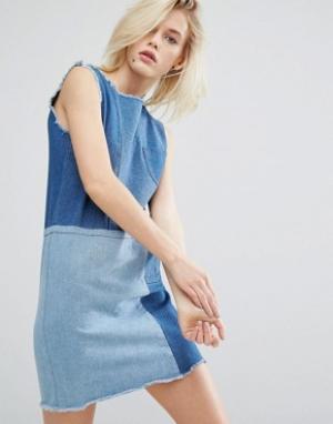 I Love Friday Джинсовое цельнокройное платье в стиле пэтчворк. Цвет: синий