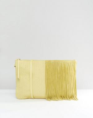 Dune Замшевый клатч с бахромой. Цвет: желтый