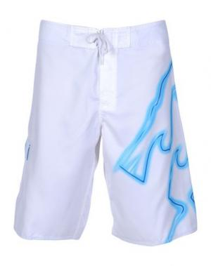 Пляжные брюки и шорты BILLABONG. Цвет: белый