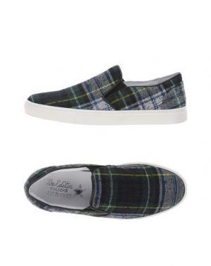 Низкие кеды и кроссовки THE EDITOR. Цвет: зеленый