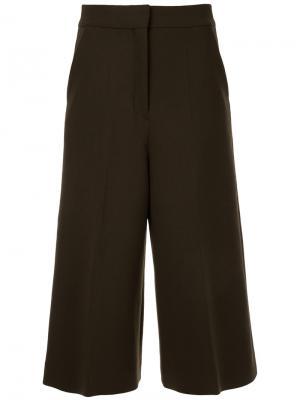 Укороченные брюки Cyclas. Цвет: коричневый