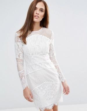 Forever Unique Кружевное облегающее платье мини со вставками. Цвет: белый
