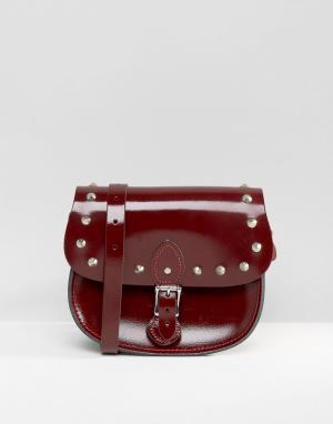 Leather Satchel Company Сумка с заклепками. Цвет: красный