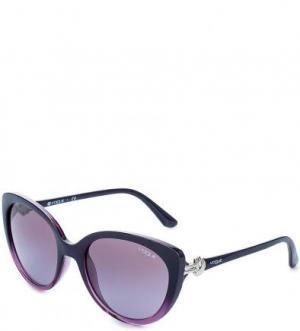 Неполяризованные солнцезащитные очки с пластиковой оправой VOGUE. Цвет: фиолетовый
