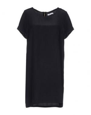 Короткое платье BEAYUKMUI. Цвет: черный
