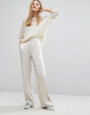 Gestuz Широкие атласные брюки Tessa. Цвет: кремовый