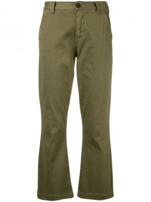 Укороченные расклешенные брюки Frame Denim. Цвет: зелёный