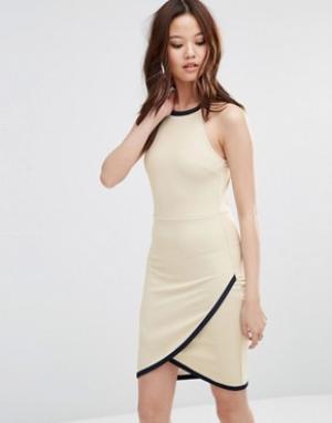 Wal G Платье с запахом на юбке. Цвет: кремовый