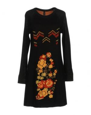 Короткое платье SALLY NEW YORK. Цвет: черный