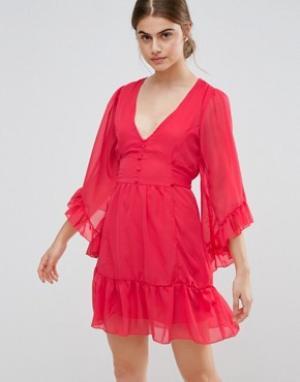Jasmine Короткое приталенное платье с оборками на кромке и рукавах. Цвет: красный
