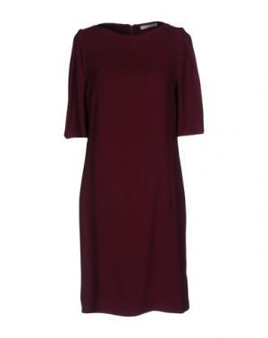 Короткое платье SUOLI. Цвет: баклажанный