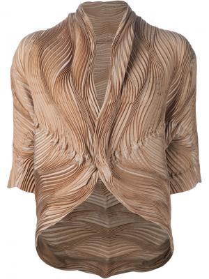 Wave pleated jacket Issey Miyake. Цвет: телесный