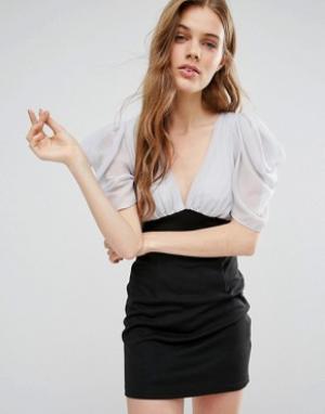 Jasmine Платье-футляр с глубоким V-образным вырезом и поясом. Цвет: черный