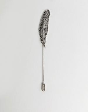Burton Menswear Булавка на лацкан с пером. Цвет: серебряный