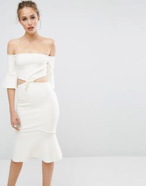 Bec & Bridge Платье с открытыми плечами Gardenia. Цвет: белый