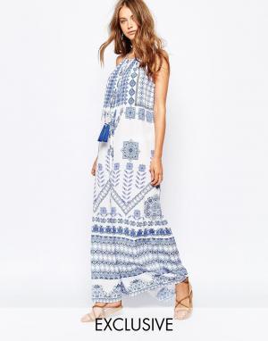 White Sand Платье макси с мозаичным принтом и завязками спереди. Цвет: мульти