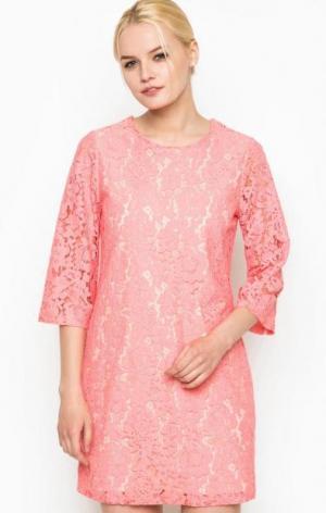 Кружевное платье с рукавами 3/4 Darling. Цвет: розовый