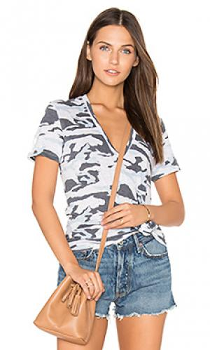 Свободная футболка с v-образным вырезом MONROW. Цвет: синий