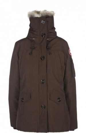 Утепленная куртка с капюшоном и меховой отделкой Canada Goose. Цвет: коричневый