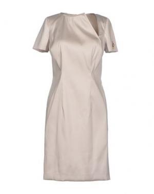 Короткое платье GOOD ON HEELS. Цвет: светло-серый