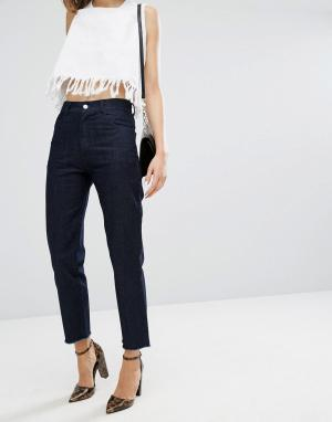 Vale Укороченные джинсы с завышенной талией и необработанным краем. Цвет: синий