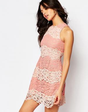 Foxiedox Кружевное платье мини с контрастной отделкой и шнуровкой на спине Foxi. Цвет: розовый