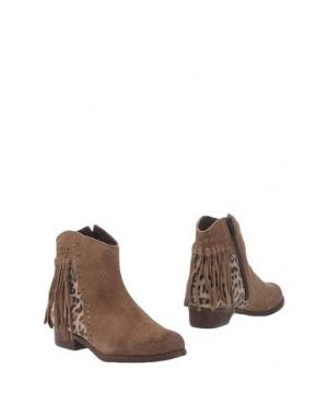 Полусапоги и высокие ботинки OCA-LOCA. Цвет: хаки
