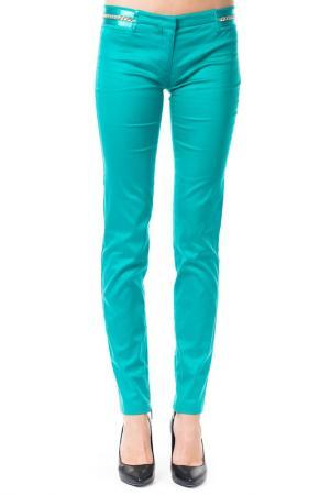 Брюки Versace Jeans Couture. Цвет: зеленый