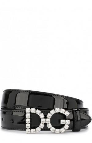 Лакированный ремень с фигурной пряжкой и отделкой кристаллами Dolce & Gabbana. Цвет: черный