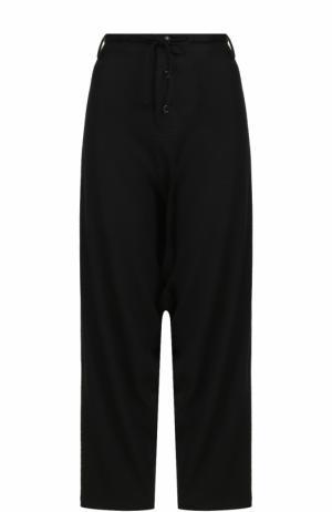 Шерстяные брюки с заниженной линией шагового шва Yohji Yamamoto. Цвет: черный