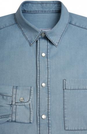 Джинсовая рубашка с контрастной прострочкой Ami. Цвет: голубой