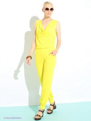 Комбинезон Colambetta. Цвет: желтый