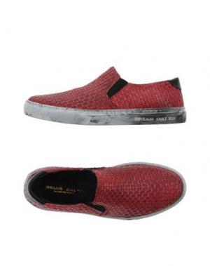 Низкие кеды и кроссовки BRIAN DALES. Цвет: красный