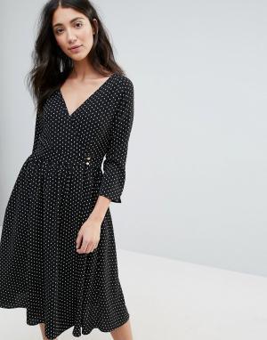 Unique 21 Платье миди с запахом. Цвет: черный