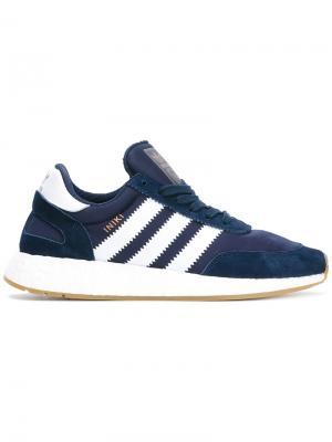 Кроссовки на шнуровке Adidas. Цвет: синий