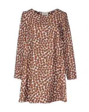 Короткое платье VICOLO. Цвет: хаки
