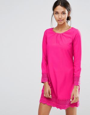 Uttam Boutique Цельнокройное платье с длинными рукавами и ажурной отделкой Bout. Цвет: розовый