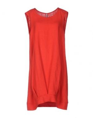 Короткое платье CORINNA CAON. Цвет: красный