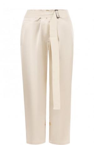 Укороченные однотонные брюки из вискозы Ann Demeulemeester. Цвет: бежевый