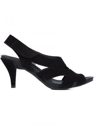 Босоножки на низком каблуке Pedro Garcia. Цвет: чёрный