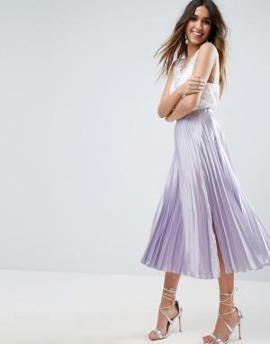 ASOS Атласная плиссированная юбка миди с разрезом сбоку. Цвет: фиолетовый