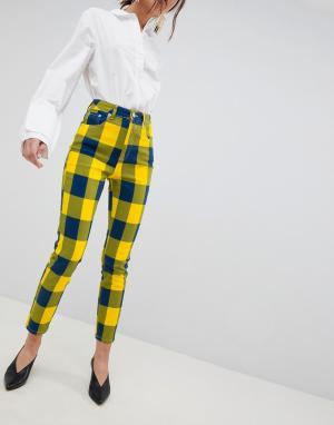 ASOS Желтые клетчатые джинсы в винтажном стиле с завышенной талией узкого к. Цвет: мульти
