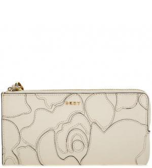 Кожаный кошелек с нашивками DKNY. Цвет: молочный