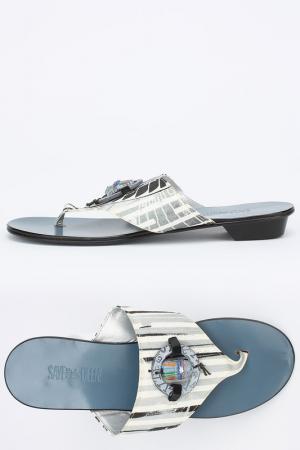 Пляжная обувь Save the Queen. Цвет: серый