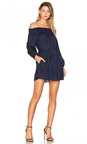 Платье с открытыми плечами desi Line & Dot. Цвет: синий