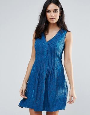 Adelyn Rae Кружевное короткое приталенное платье. Цвет: синий
